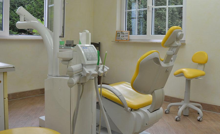Behandlungsraum Zahnarztpraxis Retzlaff Bonn
